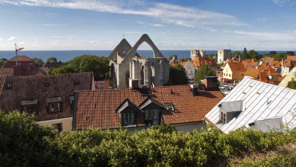 Kryssa till Visby i sommar